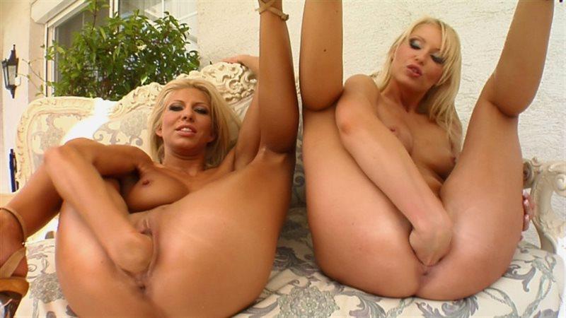 Clara G & Jasmin