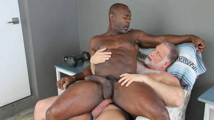 HotOlderMale - Thick In All The Right Places - Rick Kelson & Aaron Trainer
