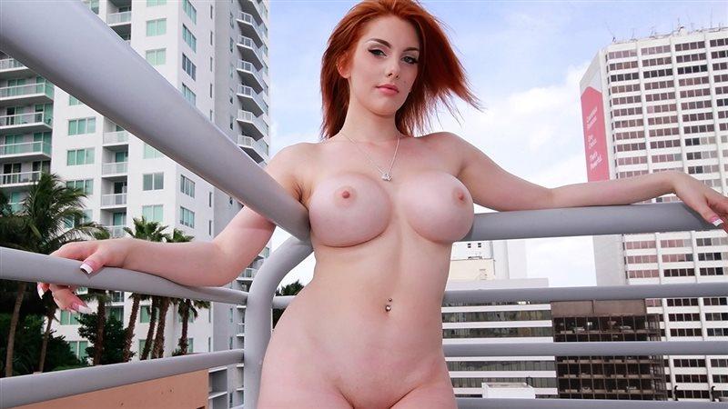 Redhead Bombshell Booty