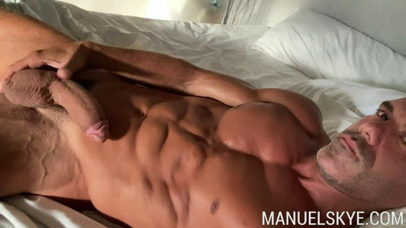 OF_-_Manuel_Skye_-_SoloSunday.jpg