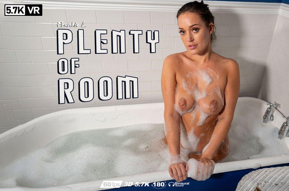 Plenty Of Room, Isobella X, May 10, 2020, 3d vr porno, HQ 2880