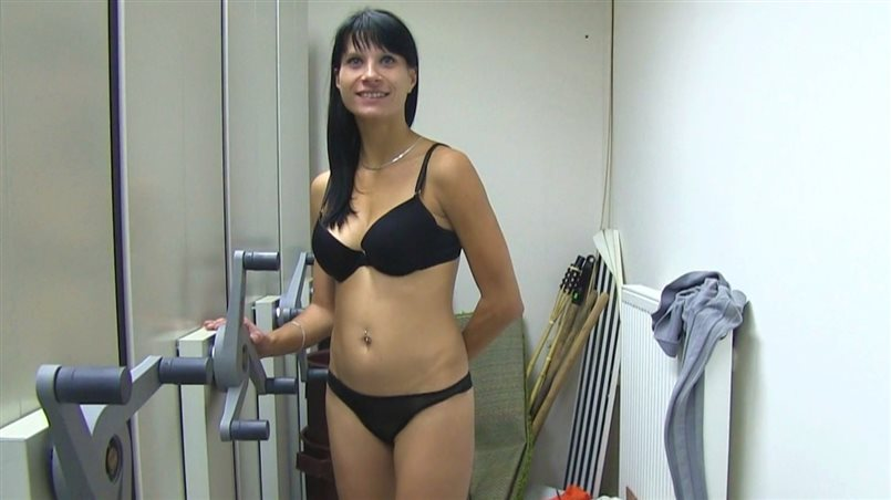Brunette MILF Loves to Suck Cock