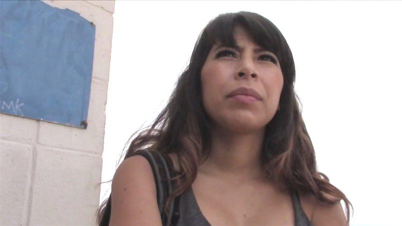 Sexy Latina Fucks Starnger Thinking She