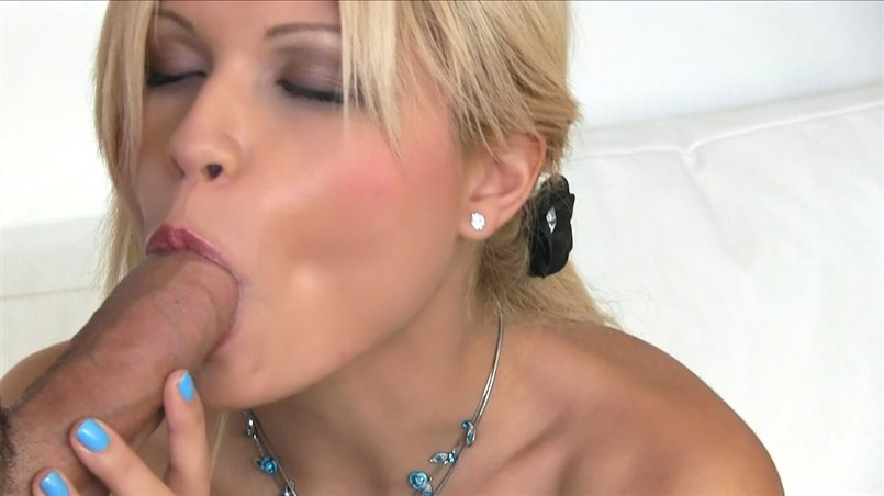 Super Sexy Blonde Loves To Make Money And Have Sex