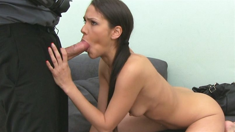 Tanned Babe Introduces Her Huge Ass To Agent