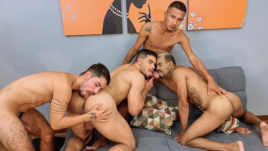 RawHole - Rico, Ronny, Bruno, Malandro - Horsehung Bareback Orgy