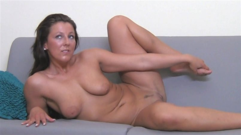 Foxy MILF Is Desperate To Be Fucked By A Real Man