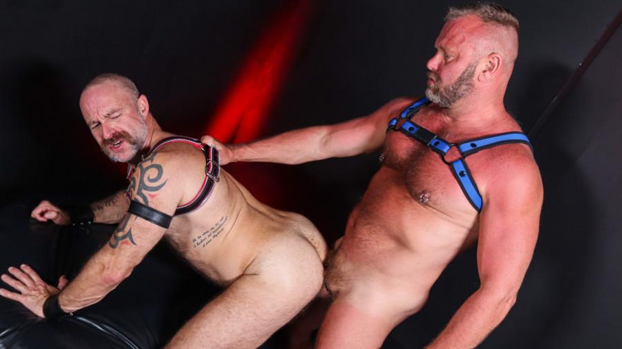 ExtraBigDicks - Musclebear Montreal & Thor Buckner - Pigs In The Playroom