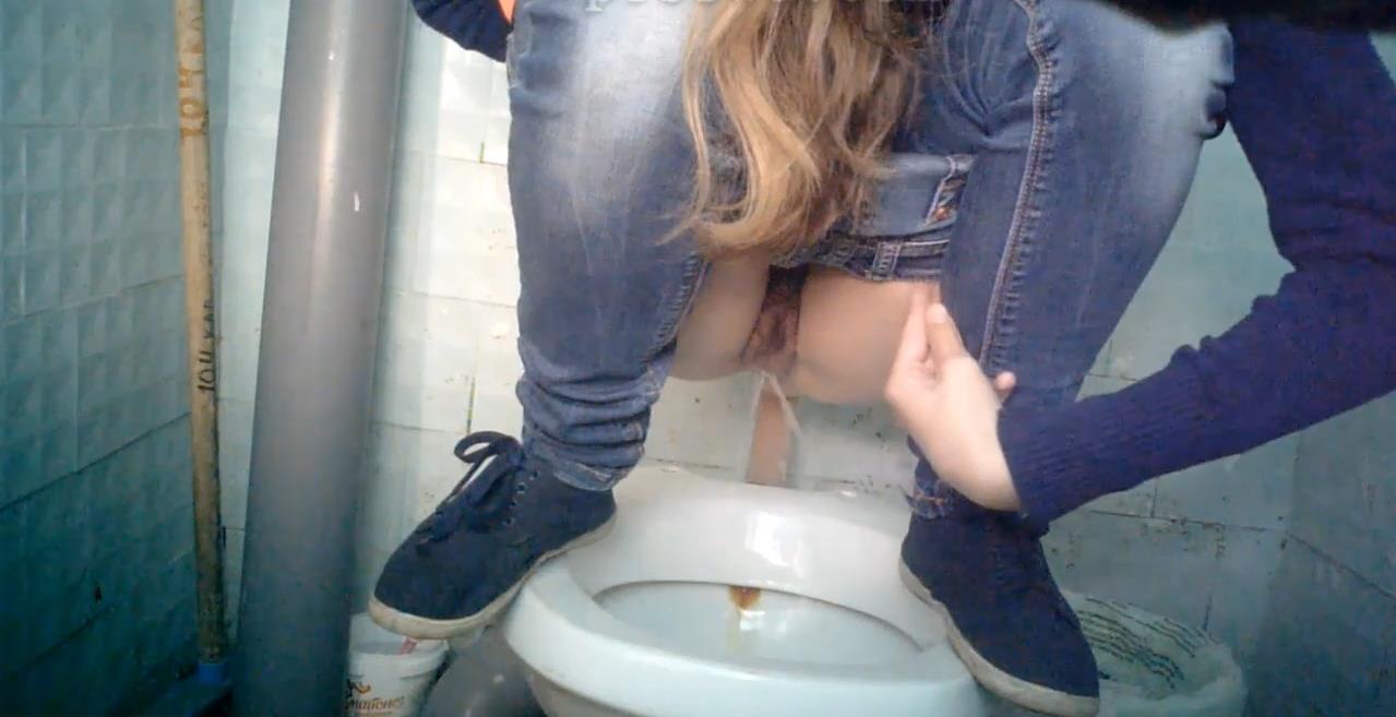 smotret-video-kameri-v-zhenskih-tualetah