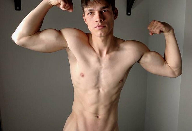 EB_-_Daniel_Donovan_-_Muscle_Flex.jpg