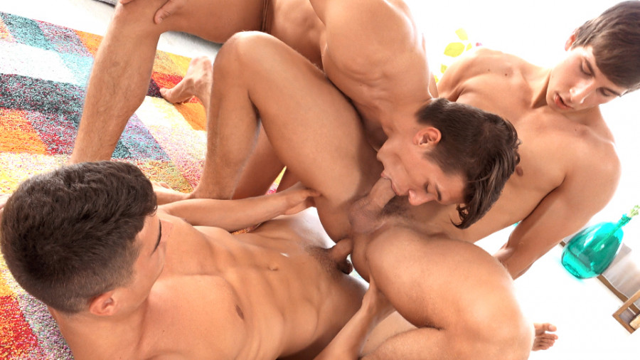 FreshMen - Issue #243 - Tom Rogers with Serge Cavalli and Enrique Vera part 2