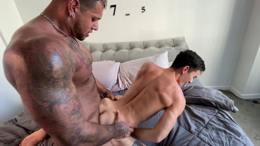 OnlyFans - Fitness Papi fucks Cody Seiya