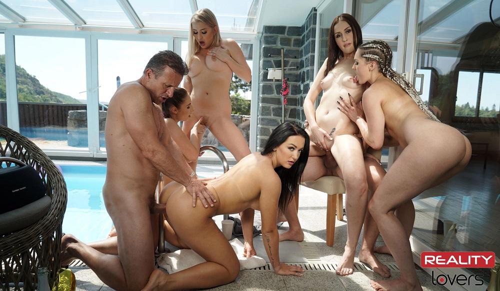 Summer Gang Bang, Antonia Sainz, Jessica Night, Sofia De Bum, Cayla Lyons, Barbara Bieber, Aug 03rd 2021, 3d vr porno, HQ 2700