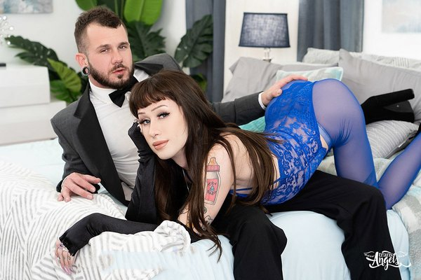 Jenna Gargles and Johnny Hill - Shemale On Male Bareback fuck - Black Widow And The Fatal Fuck (2021 / FullHD 1080p)