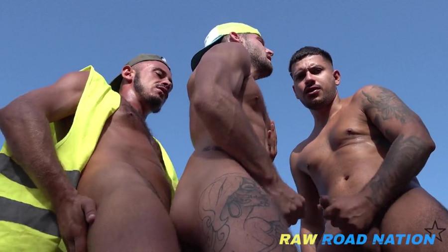 RawRoadNation - Roadside Fuck - Tour of a Craving Husband In the Sun (Bareback)