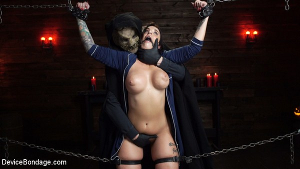 Ivy LeBelle - BDSM and Bondage - Nightmares Do Come True: Ivy LeBelle Confronted By Her Fears (HD 720p)