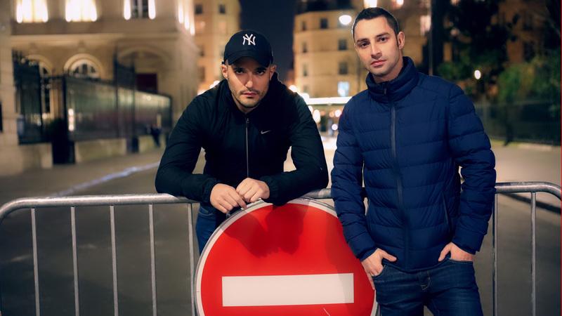 EV – A tourist visiting Paris fucks with Darko