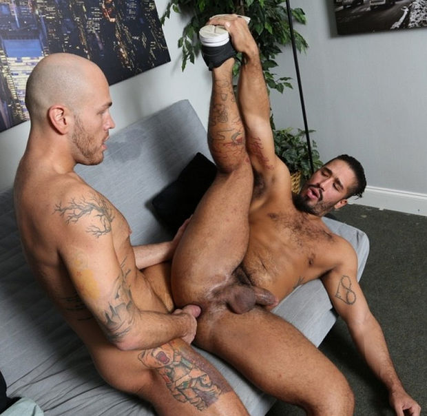 gay wrestrling