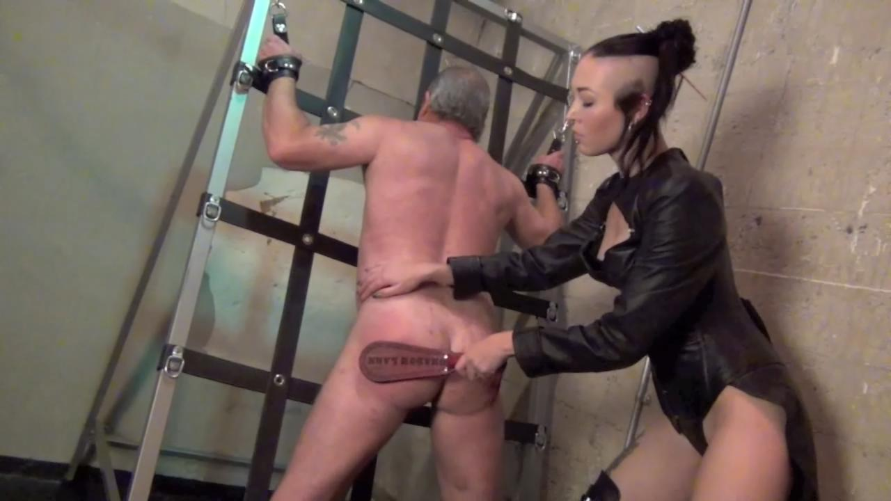 leather bondage video samples jpg 422x640