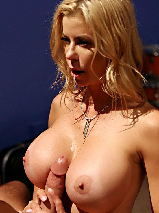 Alexis Fawx - Bounce to the Rhythm - Porn Fidelity - 720p
