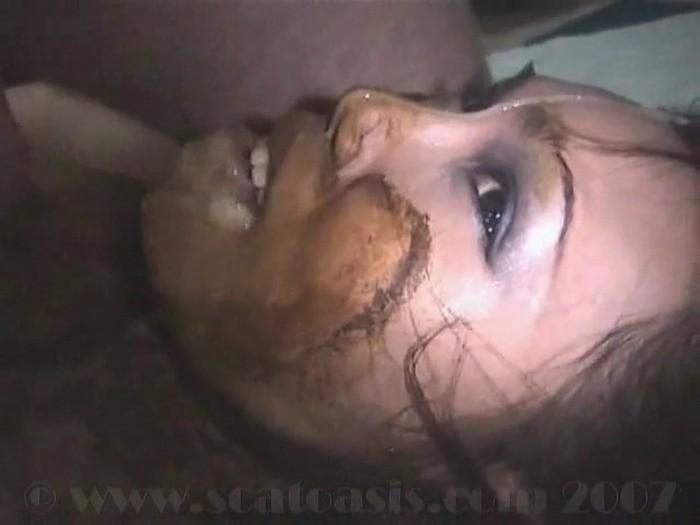 Honey Bee - Dirty horny thai girl shit eater - part 2