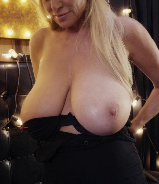Kelly Madison - Black Lit - 1080p
