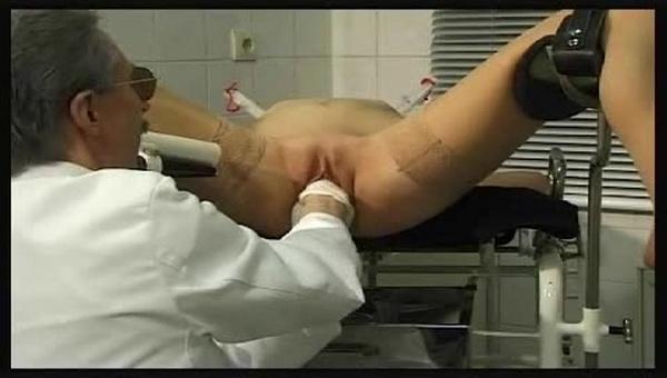 Порно фистинг у гинеколога