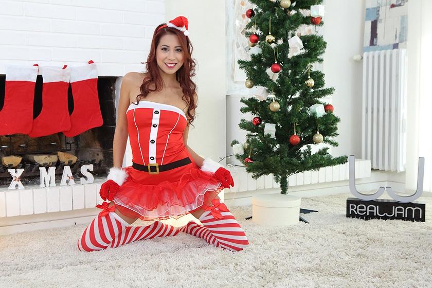 Santa's Horny Helper, Paula Shy, Dec. 25, 2016, 3d vr porno, UltraHD, 1920p