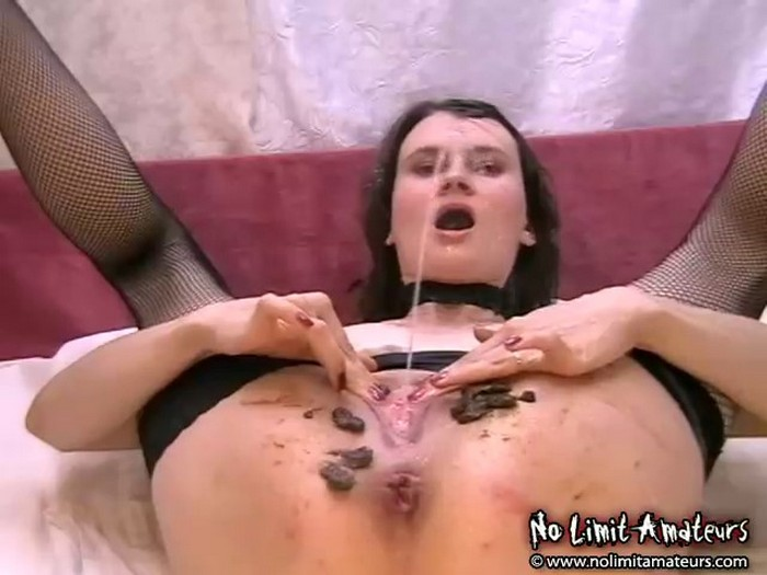 Barbara - sado scat