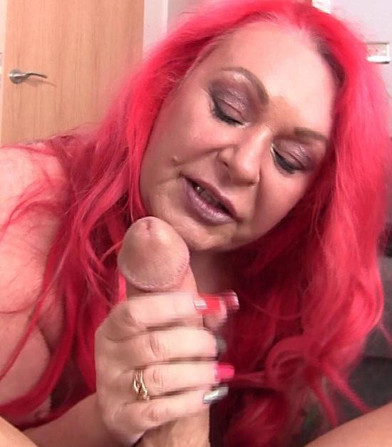 Bella Scarletta - Mature British BBW Sucks You Off With Gusto - Pure BBW - FullHD