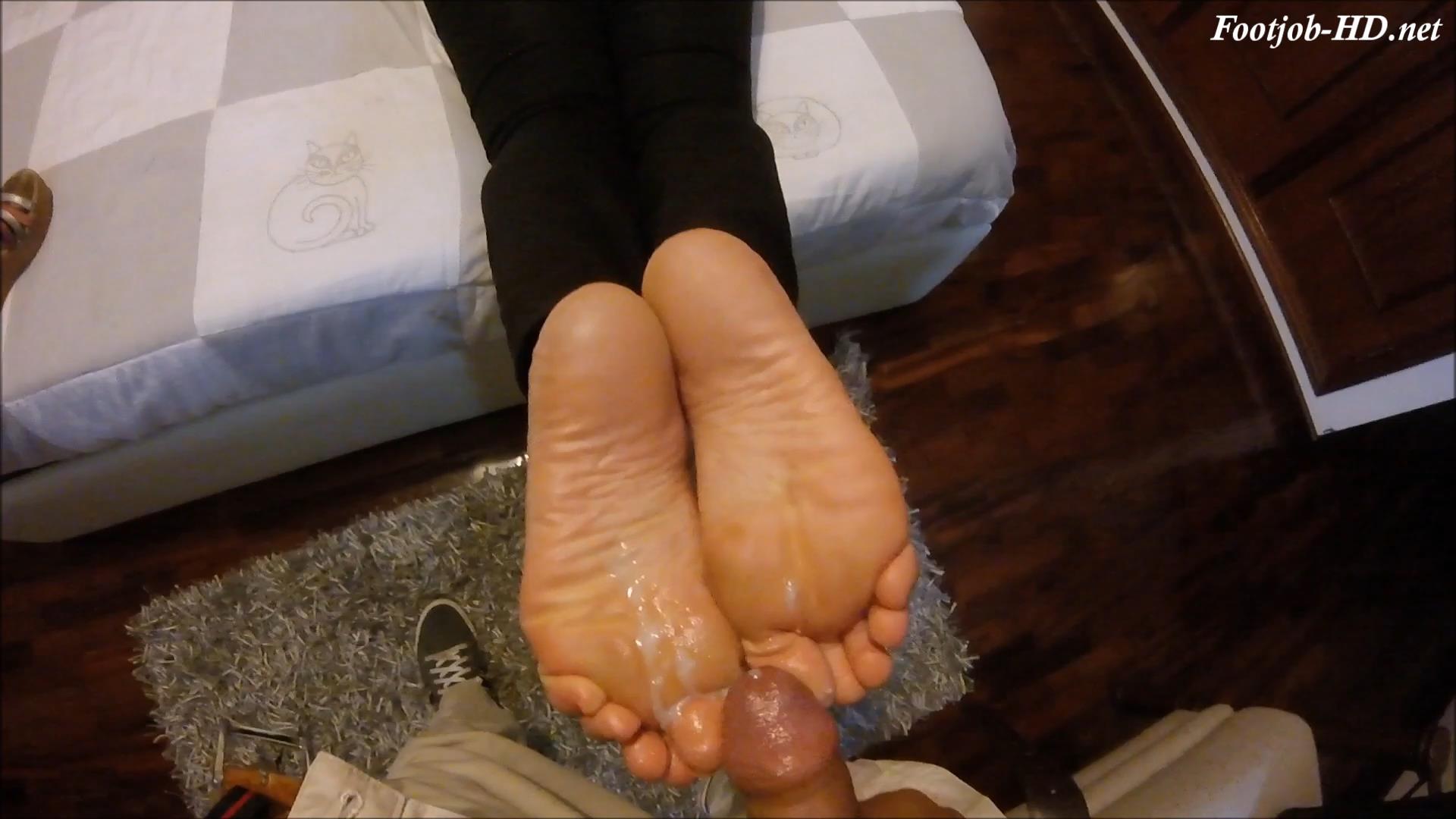 15_hours\'_worth_Foot_Gunk_-_Classy_Feet.jpg