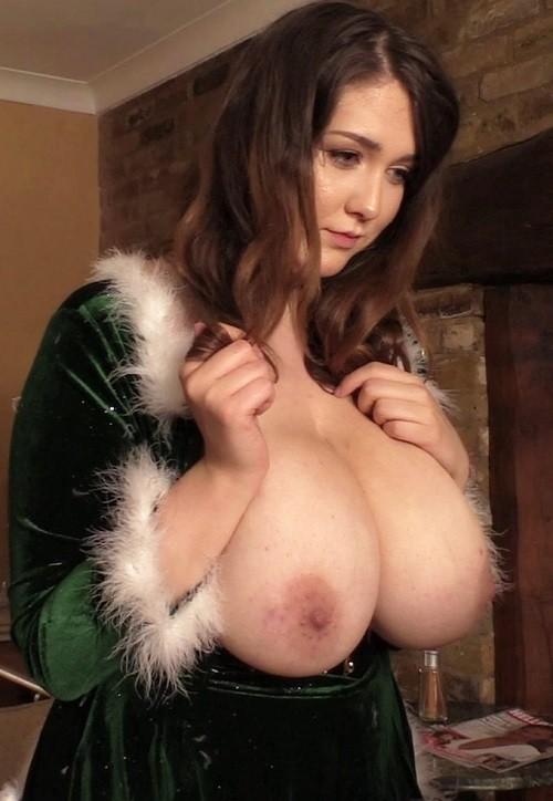 Bella Brewer - Christmas Bella 1 - FullHD 1080p
