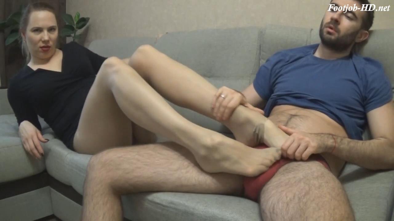 Pantyhose_Encased_Footjob_3_and_handjob_MOM_and_SON_-_Sexy_Janin.jpg