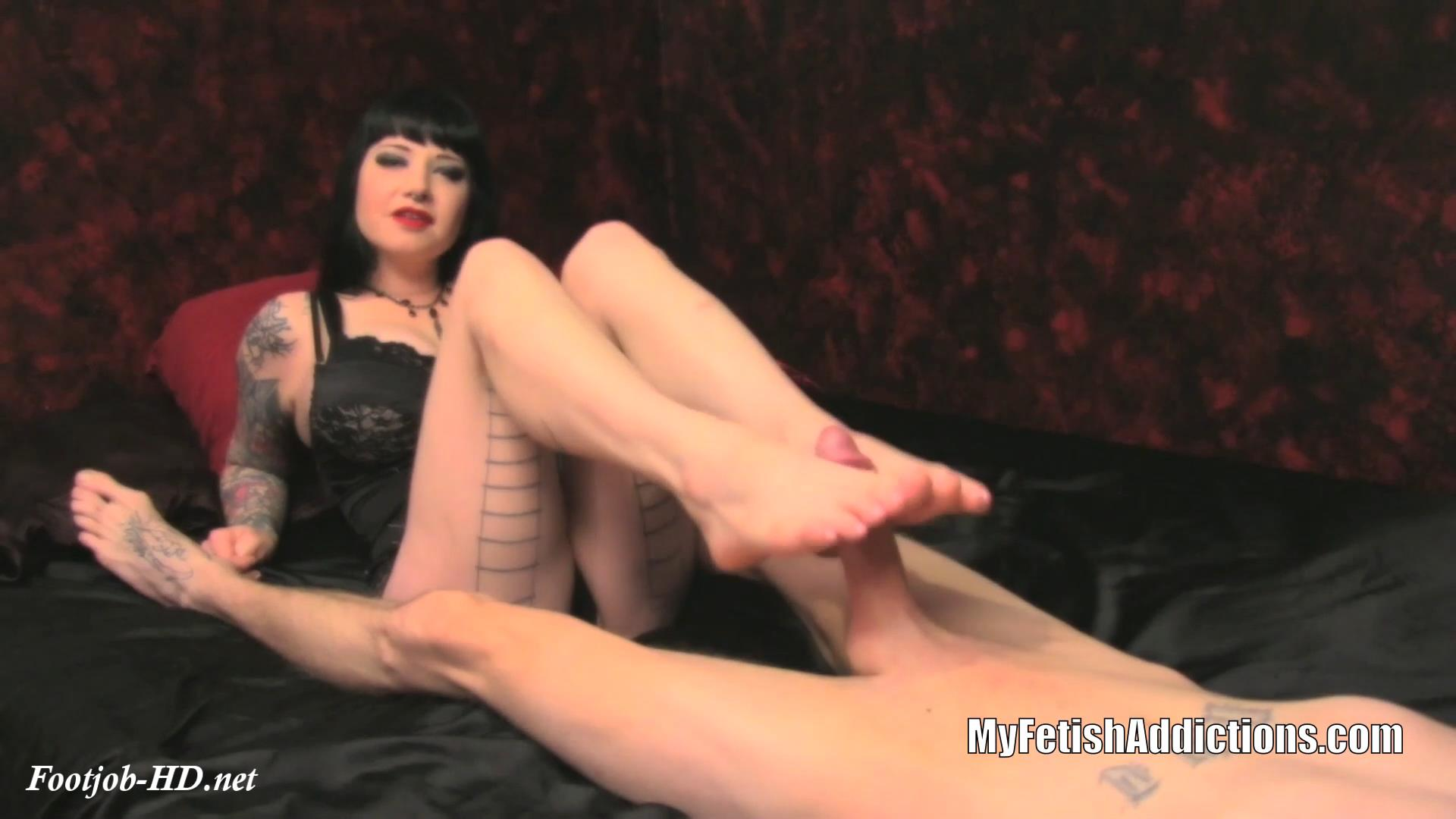 Lick_My_Lover\'s_Cum_Off_My_Soles_-_My_Fetish_Addictions_-_Maya_Sinstress.jpg