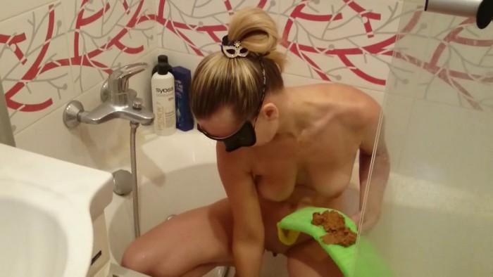Brown wife (aka Natalya) - Shit is the best shower gel (HD 720p)