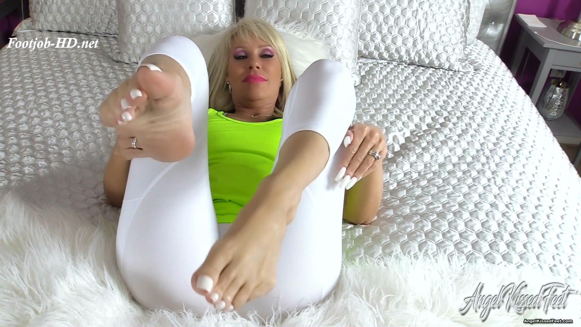 What_If_Your_Mom_Walks_In_-_Erotic_Nikki.jpg
