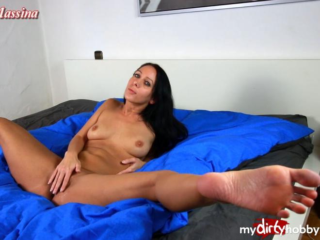 http://picstate.com/files/6333091_15b7x/Fully_cunt_and_still_horny_AnnabelMassina.jpg