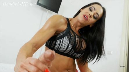 Angelina Elise / MUSCULAR HANDJOB