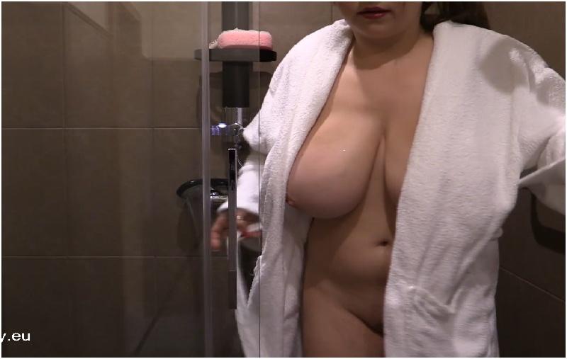 Samanta Lily - Shower Glass Busty Babe - FullHD 1080p