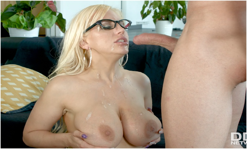 Blondie Fesser - Busty Office Sexperience - DDF Busty - FullHD 1080p