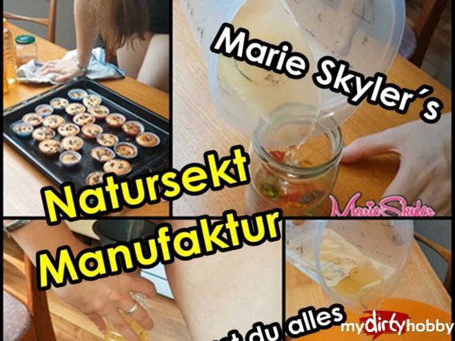 http://picstate.com/files/7297336_zumnk/The_pee_manufactory_MarieSkyler.jpg