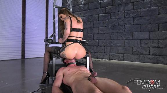 Spoil_My_Pussy.mp4_snapshot_09.44.jpg