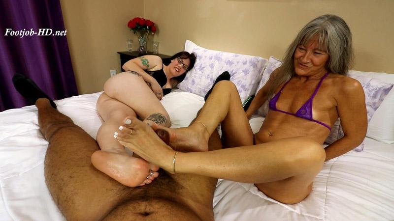 Leilani_and_Nikki_Double_Footjob_-_Joey\'s_FeetGirls.jpg