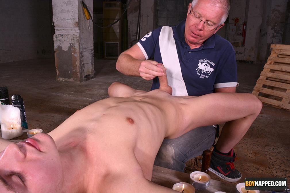 BN_-_Joey_Gets_Shaved___Sucked_Dry__-_Joey_Valentine___Sebastian_Kane.jpg