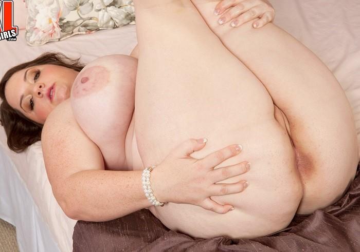 Danica Danali - Mom Boobs Mom Pussy - FullHD 1080p