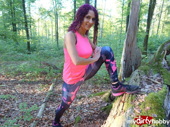 https://picstate.com/files/7932354_msoof/Dreisster_Jogger_seduces_mi_just_in_the_woods_MaraMartinez.jpg