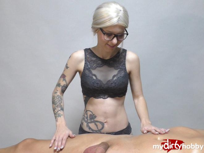 https://picstate.com/files/7967167_6i1r6/My_first_cock_massage__SofieSteinfeld.jpg