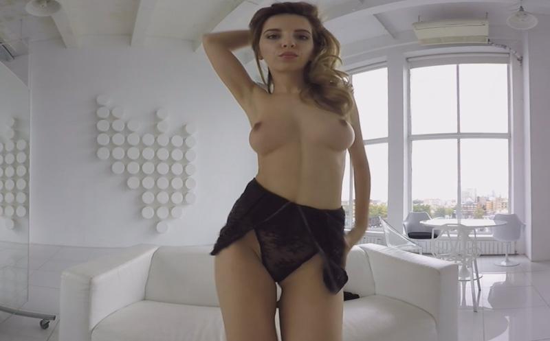 Fit Blonde Shows Her Tight Body, MilaQ, Dec 13, 2017, 4k 3d vr porno, HQ 2048p