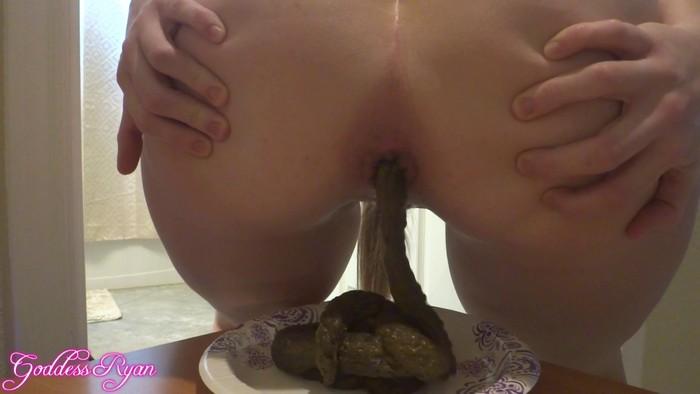 GoddessRyan (aka Goddess Ryan) - A lot of shit on the plate and a real orgasm (FullHD 1080p)