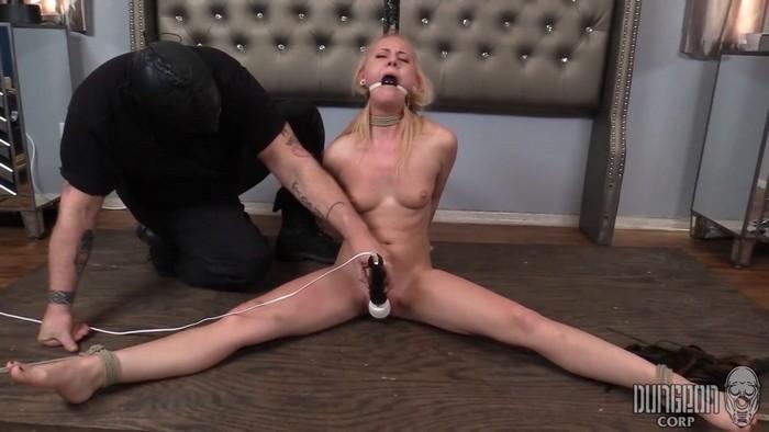 Aubrey Marie - Aubrey's First Bondage - 1 (2018 / FullHD 1080p)